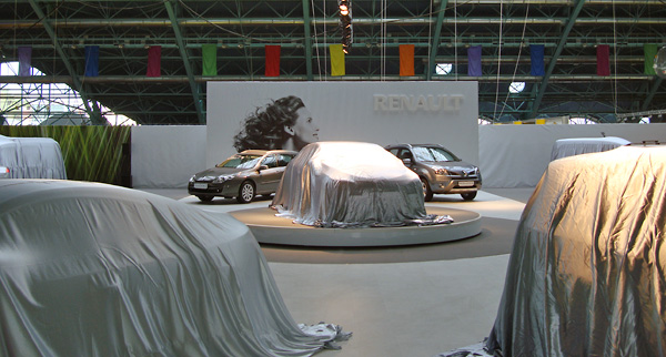 10 - 3 - Выставочный стенд Renault. Моторшоу 2009
